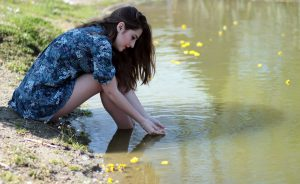 girl-water-flowers-beauty-160673
